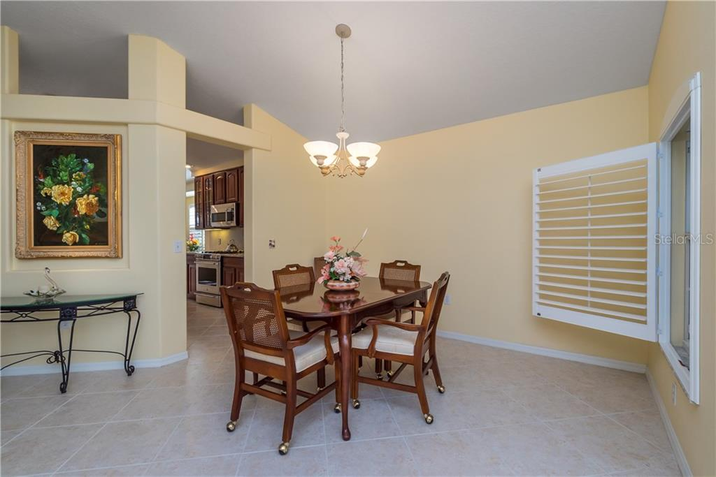 Single Family Home for sale at 6215 Macaw Gln, Lakewood Ranch, FL 34202 - MLS Number is A4205400