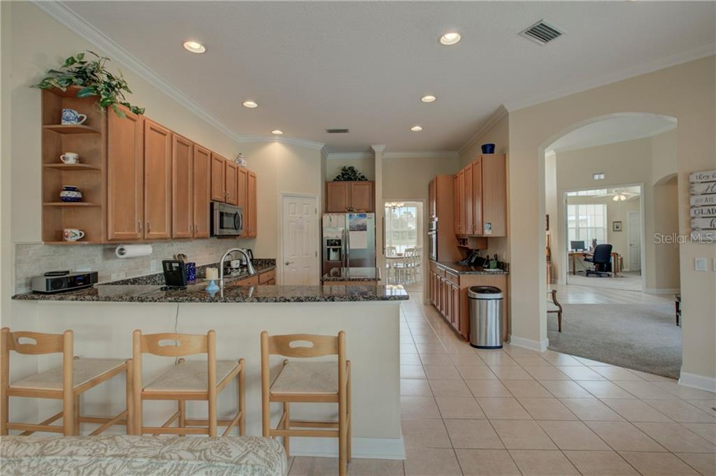 Single Family Home for sale at 8132 Snowy Egret Pl, Bradenton, FL 34202 - MLS Number is A4205603