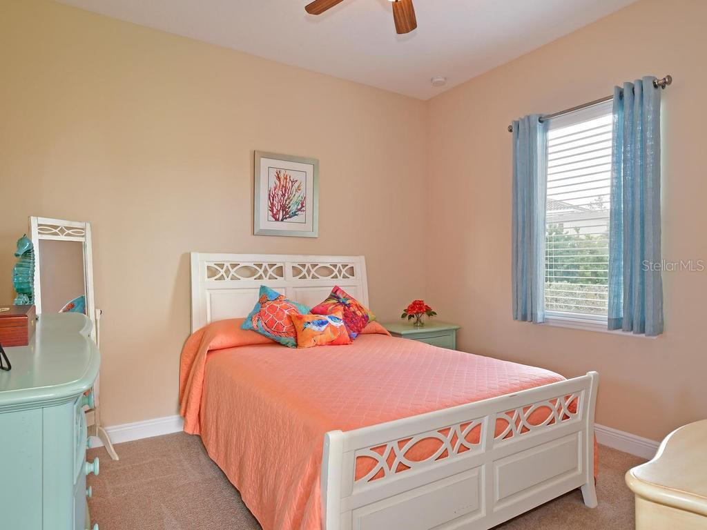 Guest bedroom - Single Family Home for sale at 6601 Horned Owl Pl, Sarasota, FL 34241 - MLS Number is A4205612