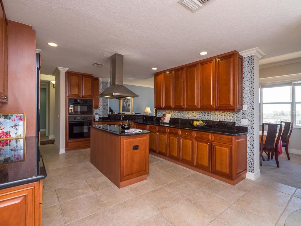 Condo for sale at 1921 Monte Carlo Dr #703, Sarasota, FL 34231 - MLS Number is A4206464