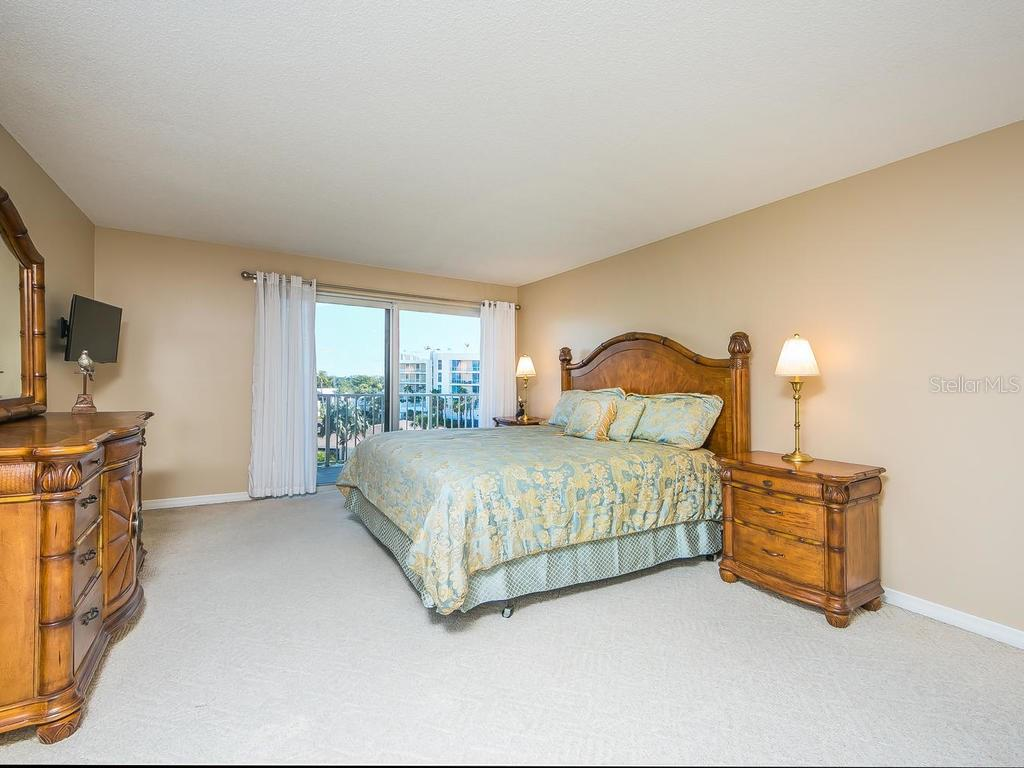 Guest bedroom - Condo for sale at 2301 Gulf Of Mexico Dr #55n, Longboat Key, FL 34228 - MLS Number is A4206569