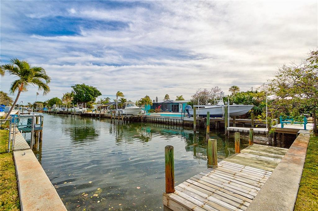 Private Dock - Single Family Home for sale at 511 70th St, Holmes Beach, FL 34217 - MLS Number is A4208261