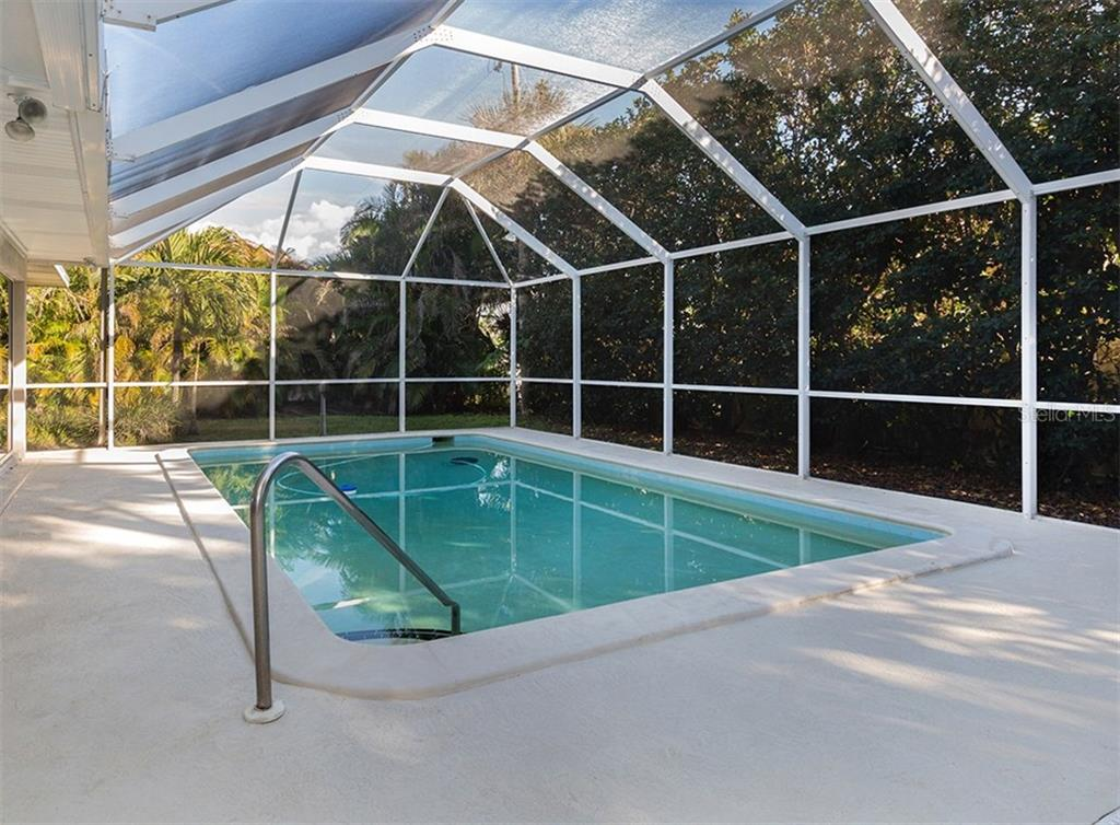 Pool - Single Family Home for sale at 445 Mahon Dr, Venice, FL 34285 - MLS Number is A4209507