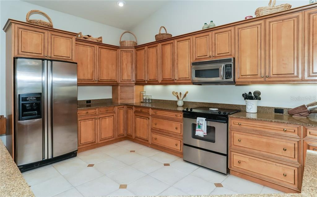 Single Family Home for sale at 1631 Spring Creek Dr, Sarasota, FL 34239 - MLS Number is A4209885