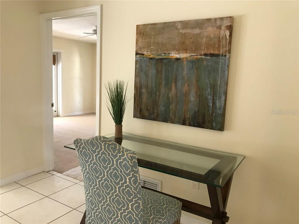 Area for writing desk - Single Family Home for sale at 5530 Cape Leyte Dr, Sarasota, FL 34242 - MLS Number is A4209986