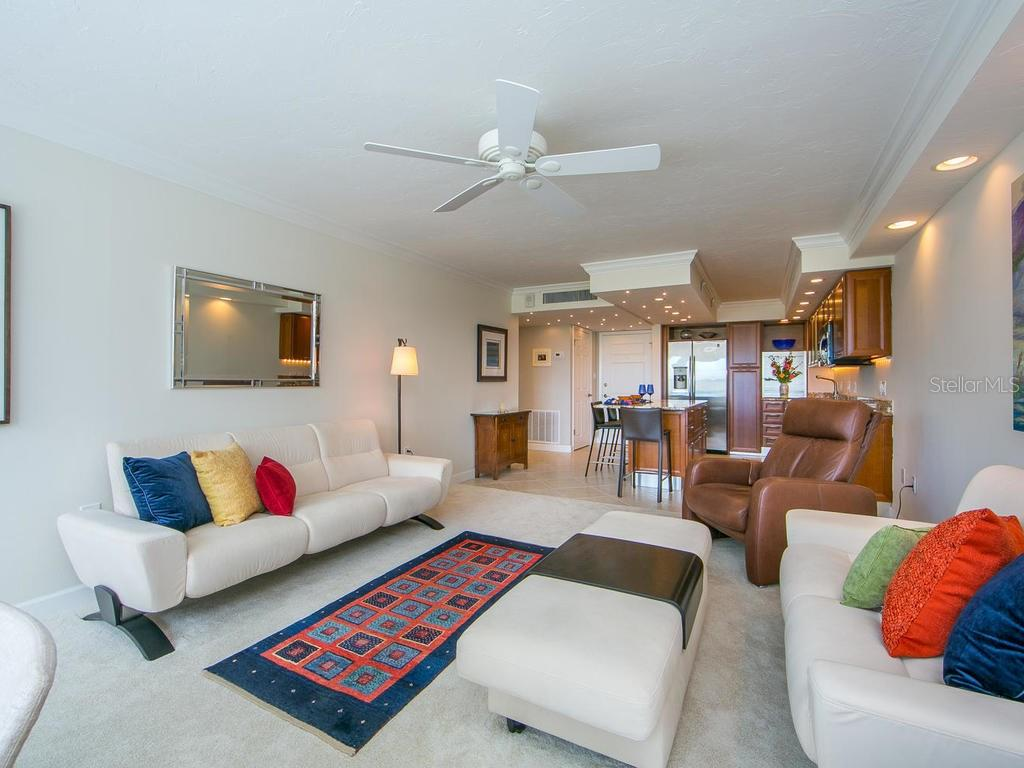 Condo for sale at 555 S Gulfstream Ave #203, Sarasota, FL 34236 - MLS Number is A4210367