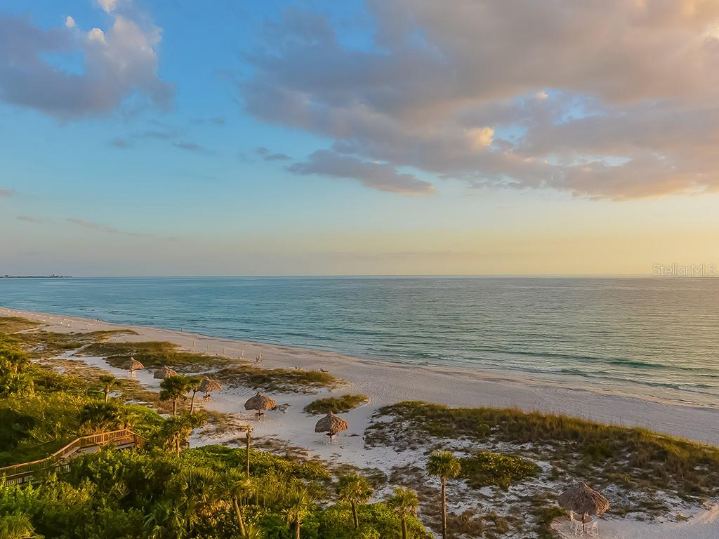 Open Kitchen with Sunset View - Condo for sale at 1241 Gulf Of Mexico Dr #502, Longboat Key, FL 34228 - MLS Number is A4211248