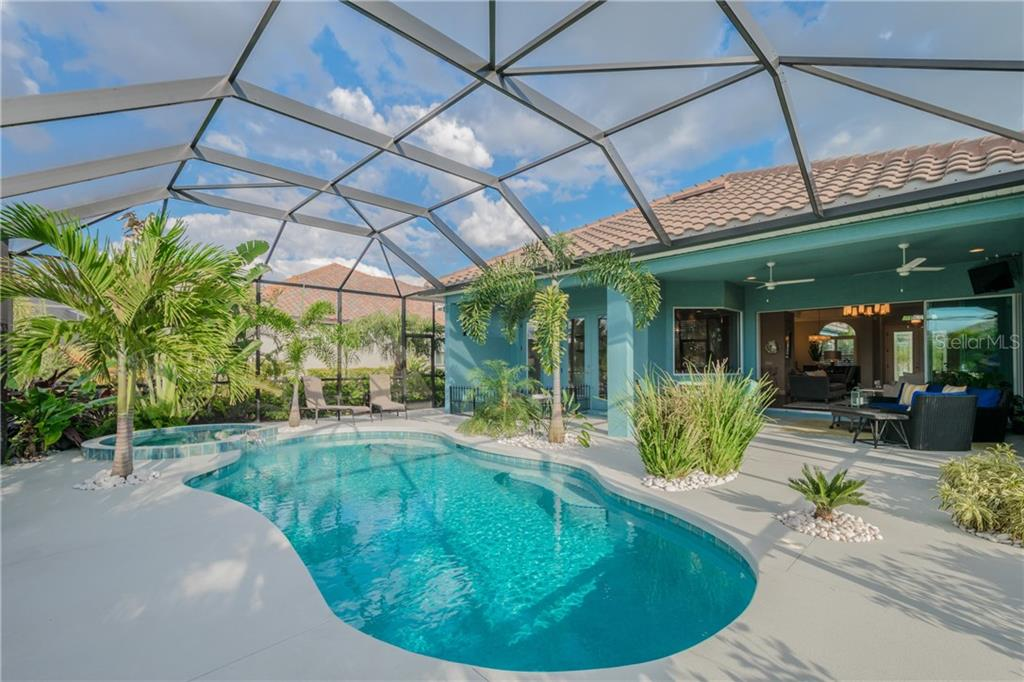 Single Family Home for sale at 562 Fore Dr, Bradenton, FL 34208 - MLS Number is A4211296
