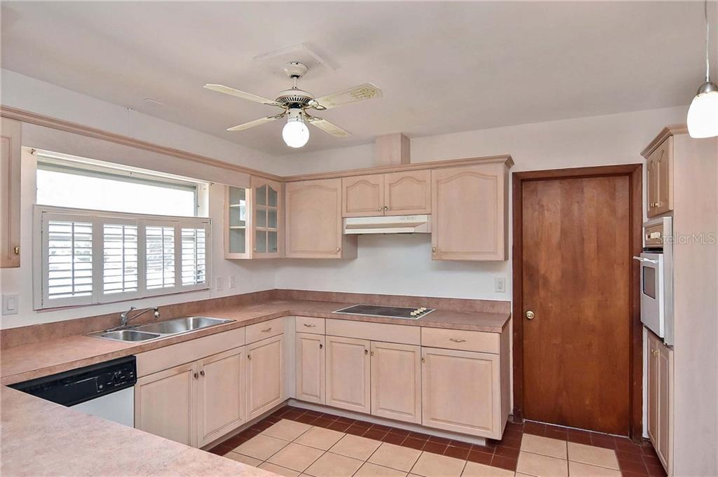 Kitchen - Single Family Home for sale at 1953 Fairview Dr, Englewood, FL 34223 - MLS Number is A4213338