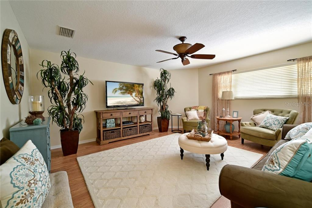 Spacious and beautiful bonus room with walk in closet! - Single Family Home for sale at 2123 147th Ct E, Bradenton, FL 34212 - MLS Number is A4215787