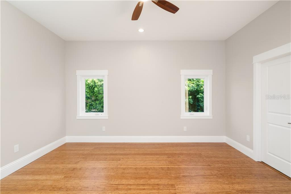 master bedroom - Single Family Home for sale at 6010 Hollywood Blvd, Sarasota, FL 34231 - MLS Number is A4400462