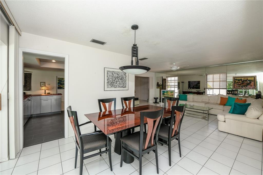 Single Family Home for sale at 726 Birdsong Ln, Sarasota, FL 34242 - MLS Number is A4402693
