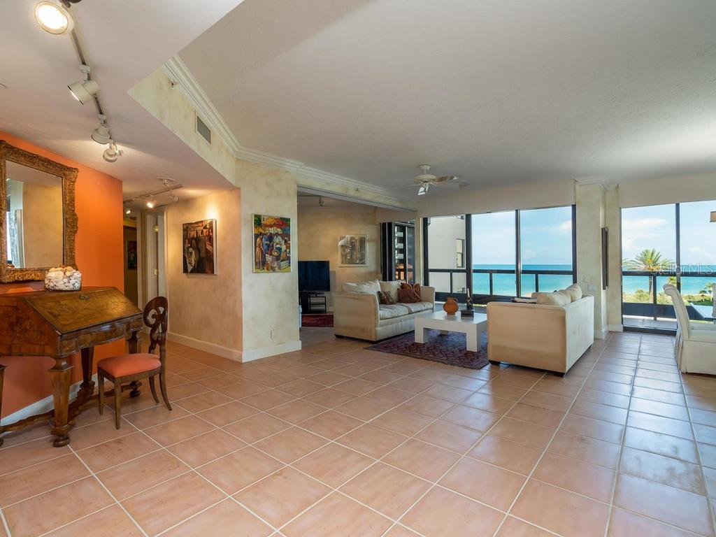 FAQ - Condo for sale at 1241 Gulf Of Mexico Dr #406, Longboat Key, FL 34228 - MLS Number is A4406877