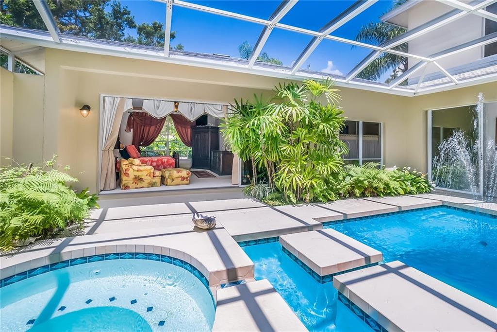 Single Family Home for sale at 5001 Coco Plum Way, Sarasota, FL 34241 - MLS Number is A4407954