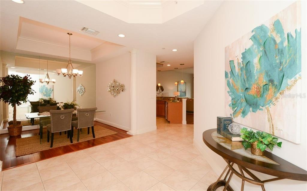 Oversized 2 Car Garage - Condo for sale at 6465 Watercrest Way #403, Lakewood Ranch, FL 34202 - MLS Number is A4409044
