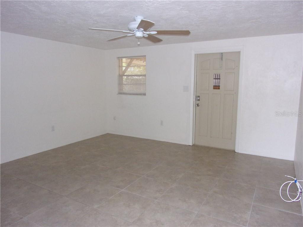 Duplex/Triplex for sale at 2903 35th Ave W, Bradenton, FL 34205 - MLS Number is A4409066