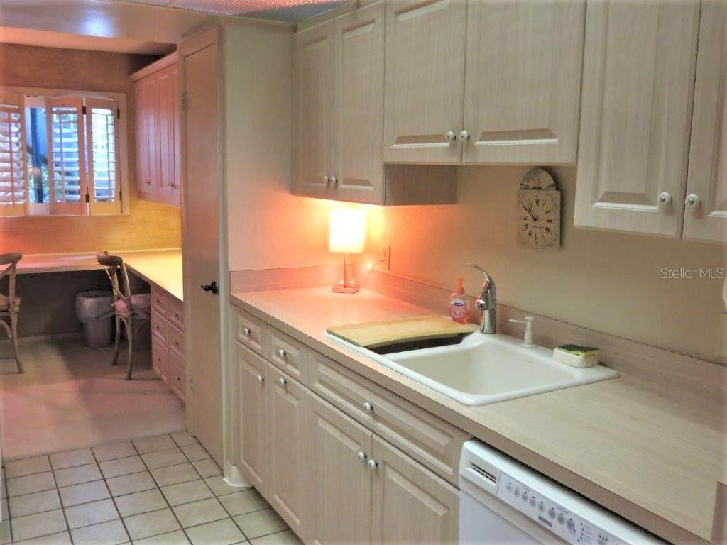 Condo for sale at 6951 Gulf Of Mexico Dr #14, Longboat Key, FL 34228 - MLS Number is A4409535