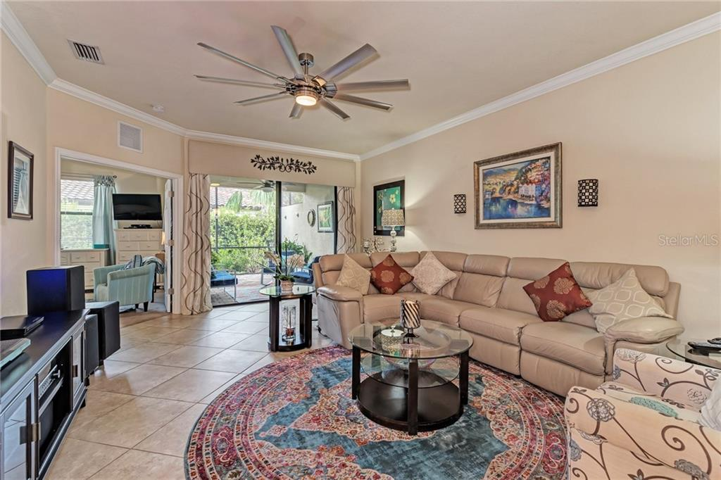 Villa for sale at 6510 Candlestick Dr, Bradenton, FL 34212 - MLS Number is A4410034