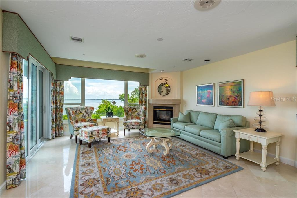 Relax and Enjoy those open unobstructed bay views from your kitchen, living room and private back terrace! - Condo for sale at 340 Gulf Of Mexico Dr #116, Longboat Key, FL 34228 - MLS Number is A4411000
