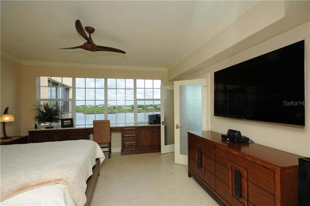 Condo for sale at 1280 Dolphin Bay Way #404, Sarasota, FL 34242 - MLS Number is A4413411