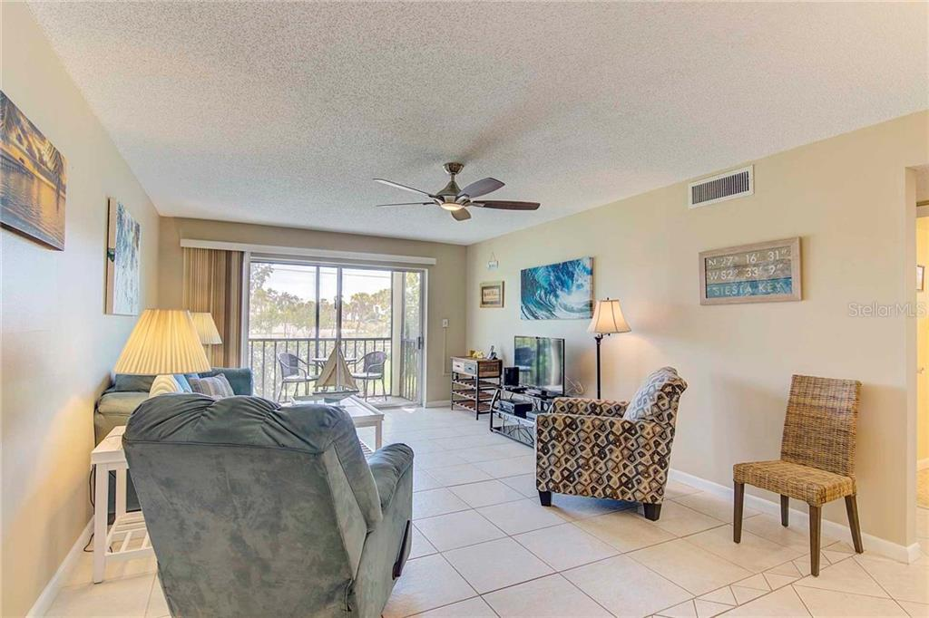 Condo for sale at 925 Beach Rd #107b, Sarasota, FL 34242 - MLS Number is A4413716