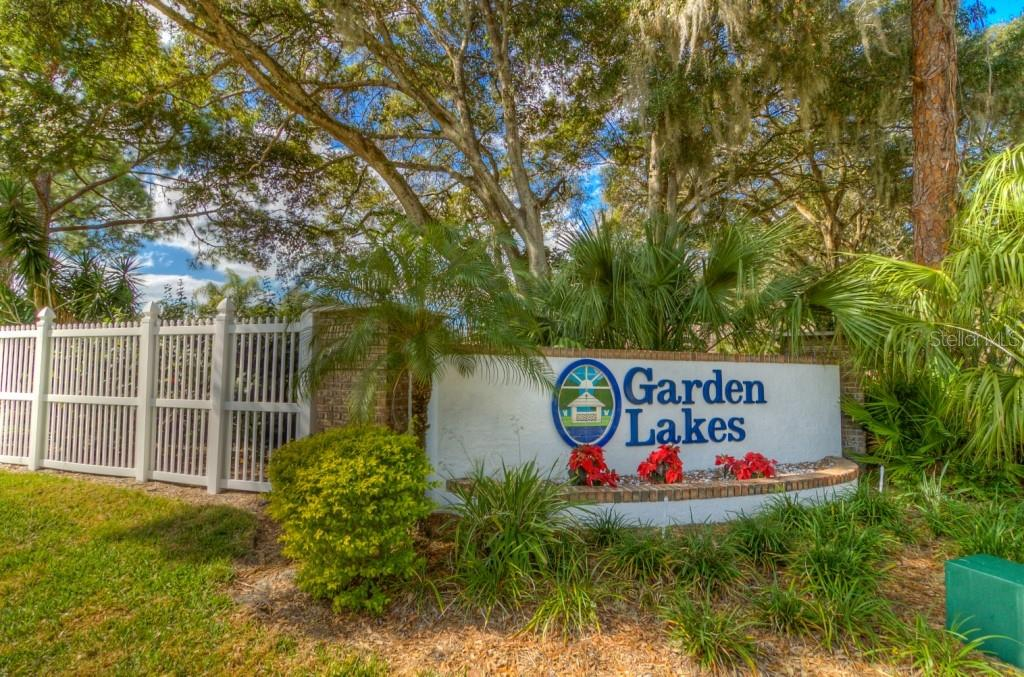 Single Family Home for sale at 5611 Garden Lakes Majestic, Bradenton, FL 34203 - MLS Number is A4415917