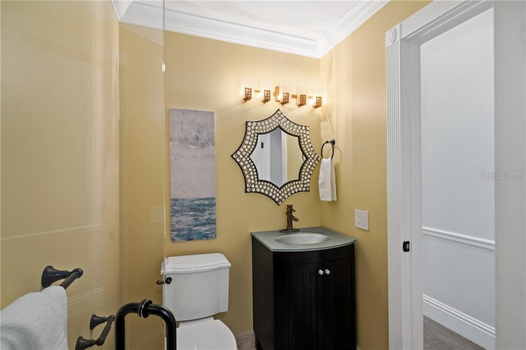 Ensuite to Guest Bedroom #5. - Single Family Home for sale at 1654 Landings Blvd, Sarasota, FL 34231 - MLS Number is A4417765