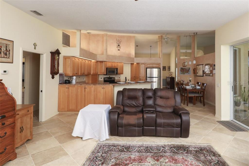 Single Family Home for sale at 4830 Wilde Pointe Dr, Sarasota, FL 34233 - MLS Number is A4418296