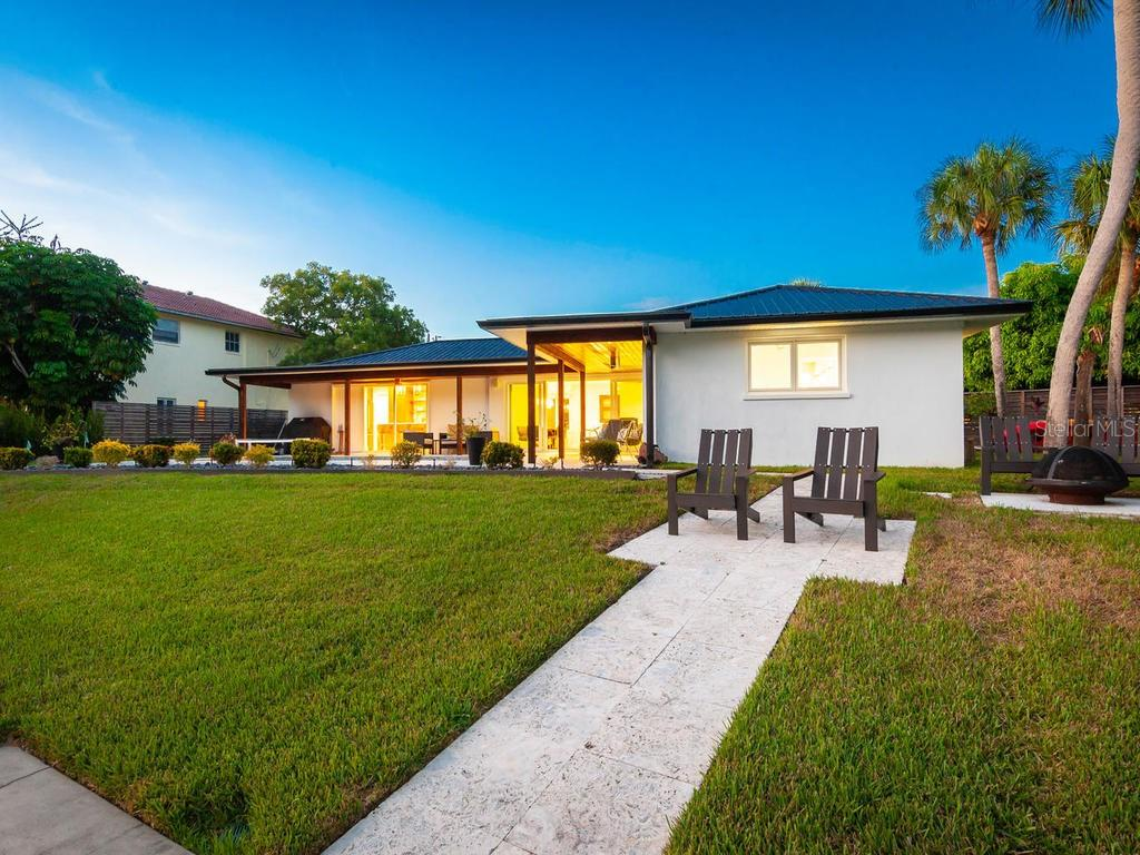 Single Family Home for sale at 808 Idlewild Way, Sarasota, FL 34242 - MLS Number is A4418955