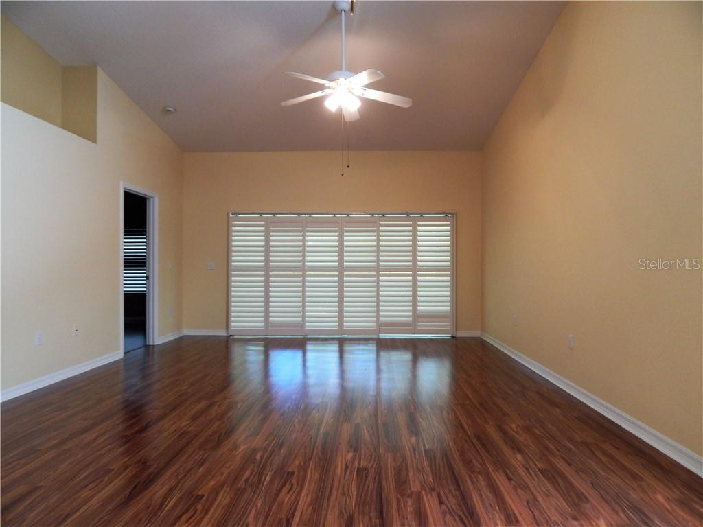 Duplex/Triplex for sale at 7137 Melrose Pl, Bradenton, FL 34203 - MLS Number is A4419637