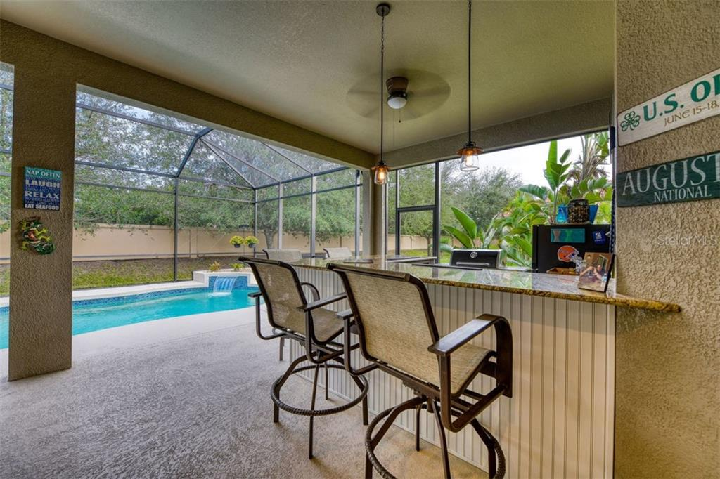 Single Family Home for sale at 333 Blackbird Ct, Bradenton, FL 34212 - MLS Number is A4419768