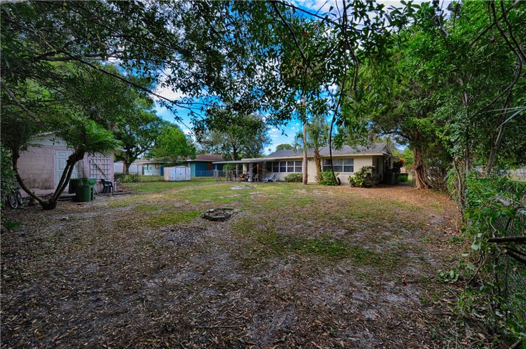 Single Family Home for sale at 2415 19th Ave W, Bradenton, FL 34205 - MLS Number is A4419948