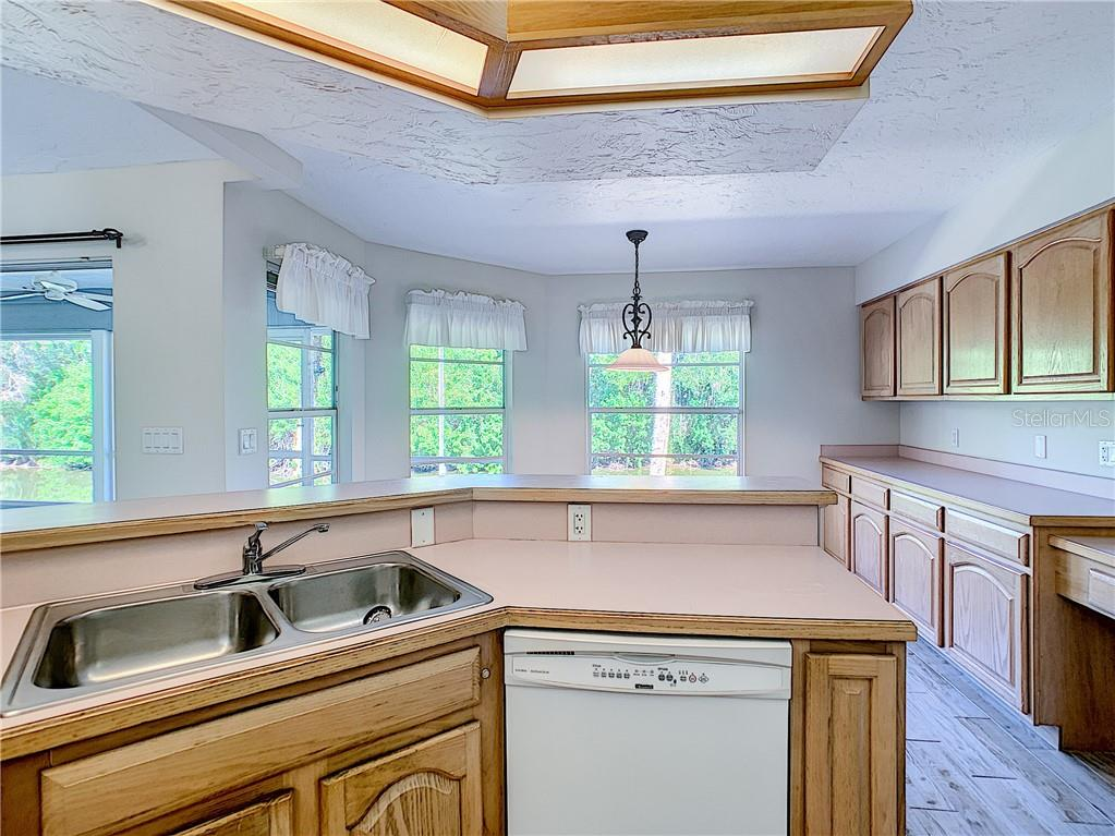 Kitchen - Single Family Home for sale at 4559 Trails Dr, Sarasota, FL 34232 - MLS Number is A4420363