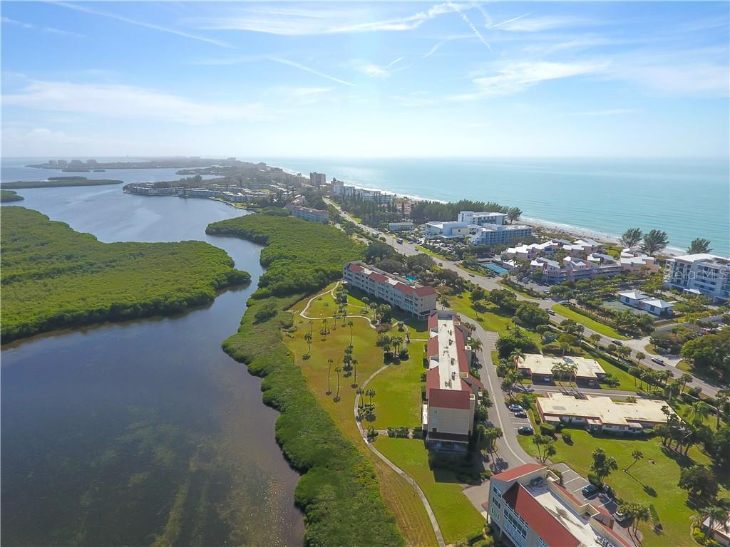 Windward Bay is 1/2 mile long of Bay front property. Notice the south marina which is at the southern end of the community and on the left side of the photo. The north marina is at the far northern end of the property and is at the right side of the photo.