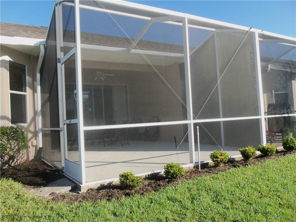 Villa for sale at 5042 Blue Ash Ave, Sarasota, FL 34241 - MLS Number is A4422297