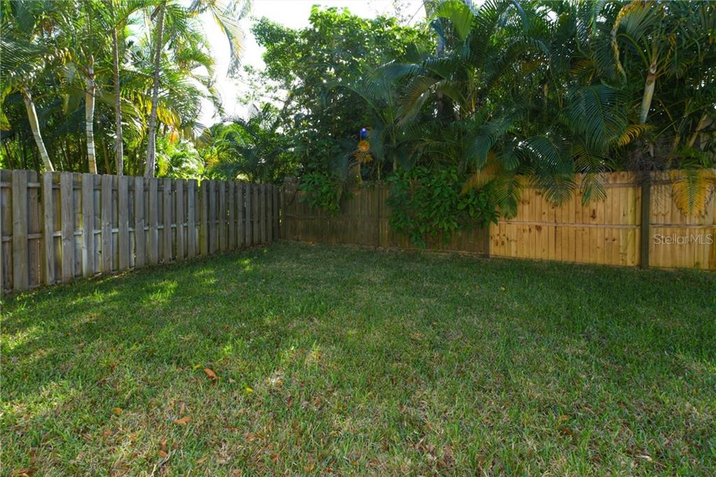 Single Family Home for sale at 1822 Loma Linda St, Sarasota, FL 34239 - MLS Number is A4423411