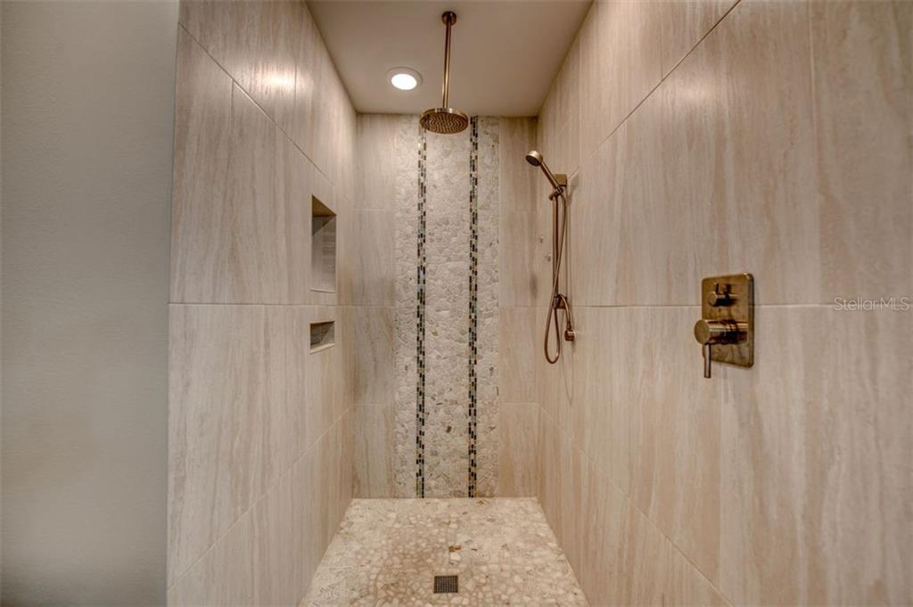 Picture is deceiving - very large shower - Single Family Home for sale at 5548 Shadow Lawn Dr, Sarasota, FL 34242 - MLS Number is A4423461