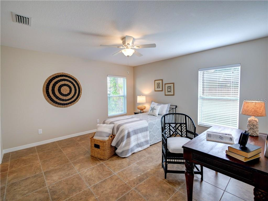 Bedroom 2 - Single Family Home for sale at 2558 Oneida Rd, Venice, FL 34293 - MLS Number is A4428145