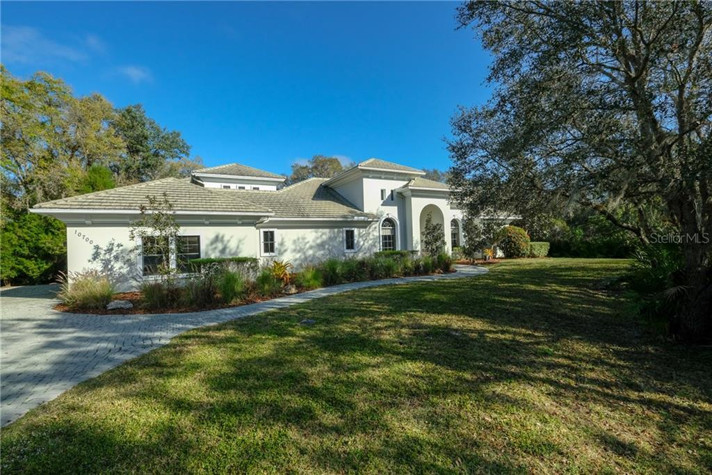 Single Family Home for sale at 10700 Leafwing Dr, Sarasota, FL 34241 - MLS Number is A4428333