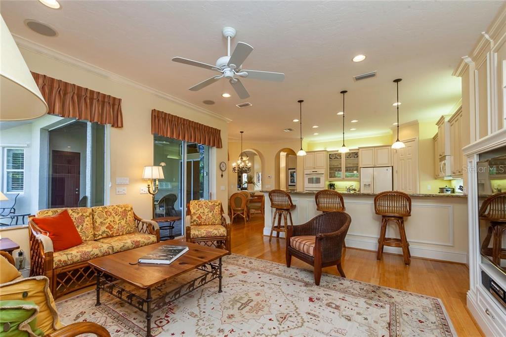 Single Family Home for sale at 6910 Brier Creek Ct, Lakewood Ranch, FL 34202 - MLS Number is A4430321