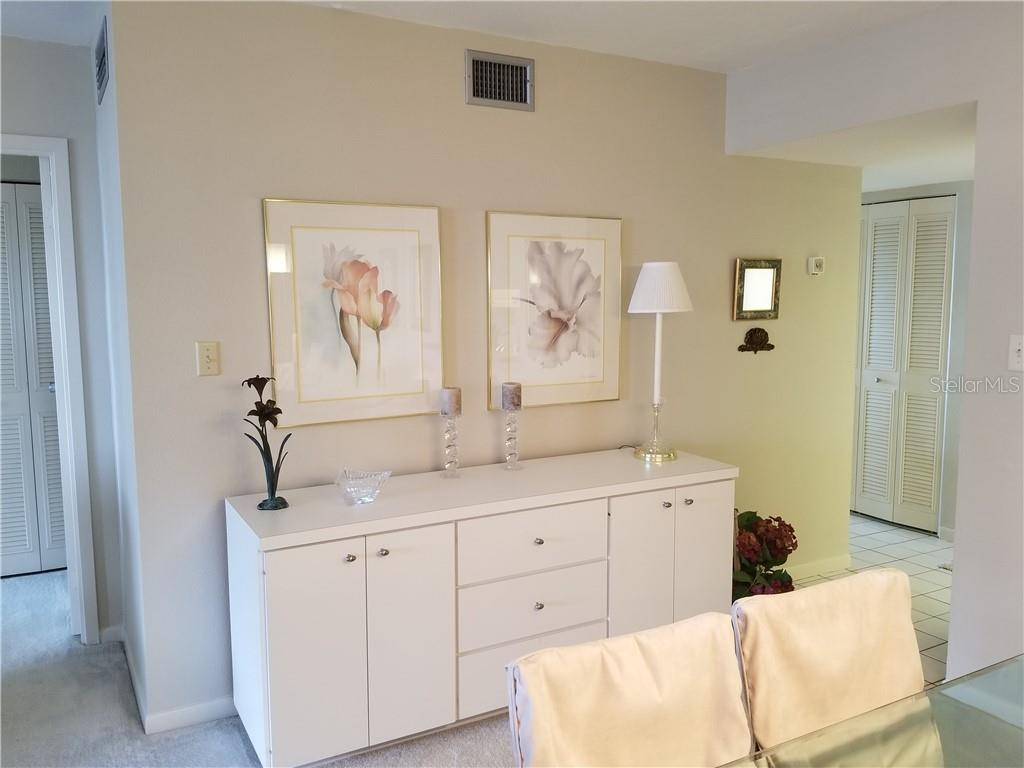 dining server area - Condo for sale at 1125 W Peppertree Dr #603, Sarasota, FL 34242 - MLS Number is A4430690