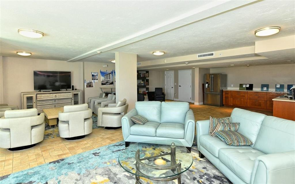 Recently renovated community room - Condo for sale at 101 S Gulfstream Ave #6d, Sarasota, FL 34236 - MLS Number is A4434802