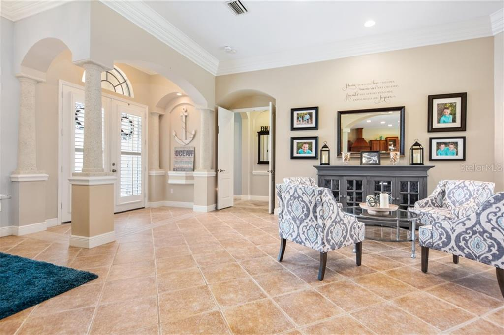 Single Family Home for sale at 7017 Kingsmill Ct, Lakewood Ranch, FL 34202 - MLS Number is A4435295