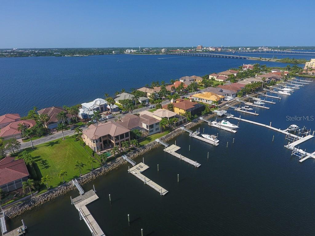 Head to the gulf or the intracoastal - Single Family Home for sale at 902 Riviera Dunes Way, Palmetto, FL 34221 - MLS Number is A4436277
