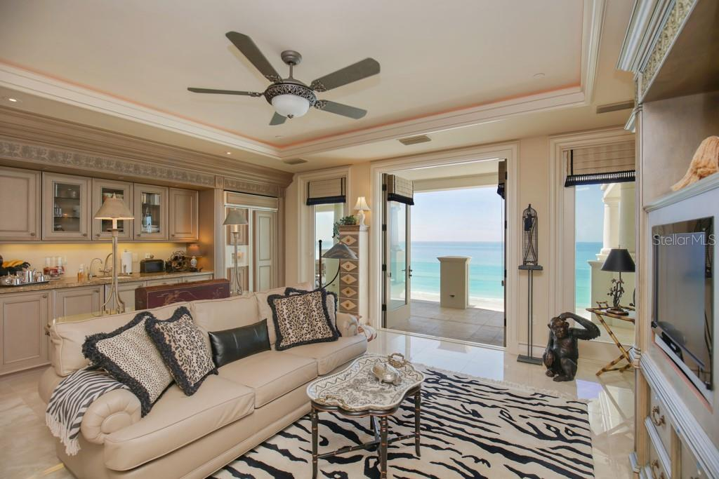 Sitting room - Single Family Home for sale at 845 Longboat Club Rd, Longboat Key, FL 34228 - MLS Number is A4440615