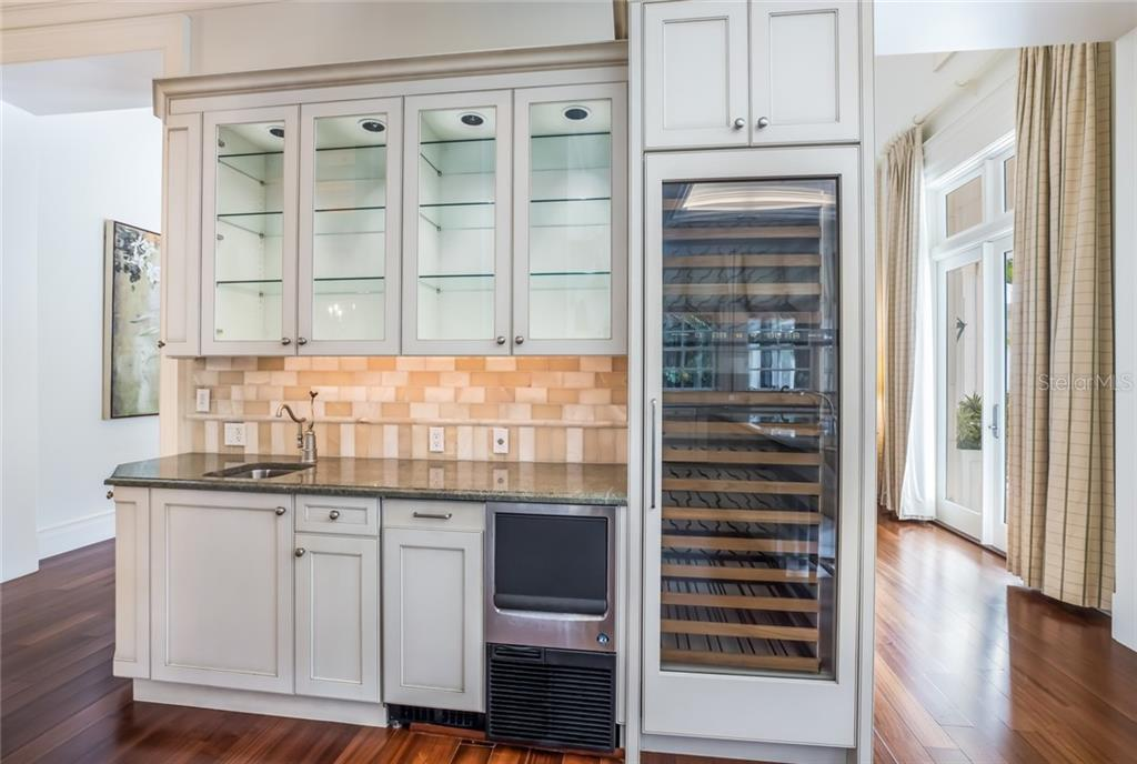 Butlers pantry with ice-maker and temperature controlled wine fridge - Single Family Home for sale at 1522 N Lake Shore Dr, Sarasota, FL 34231 - MLS Number is A4442286