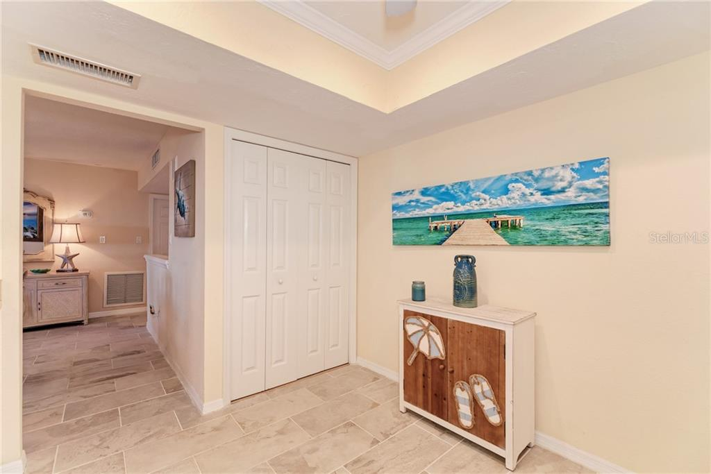 Condo for sale at 1080 W Peppertree Ln #406a, Sarasota, FL 34242 - MLS Number is A4446520