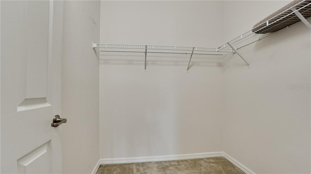 Owner's  walk in closet is very large - Condo for sale at 7815 Moonstone Dr #24-204, Sarasota, FL 34233 - MLS Number is A4446867