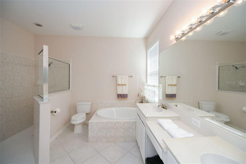 Den / Study / 4th Bedroom - Single Family Home for sale at 5077 Creekside Trl, Sarasota, FL 34243 - MLS Number is A4449889