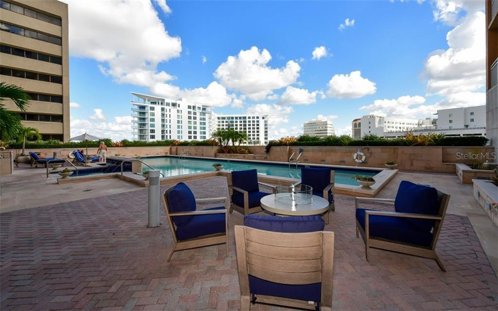 Outdoor grill - Condo for sale at 1350 Main St #804, Sarasota, FL 34236 - MLS Number is A4451085